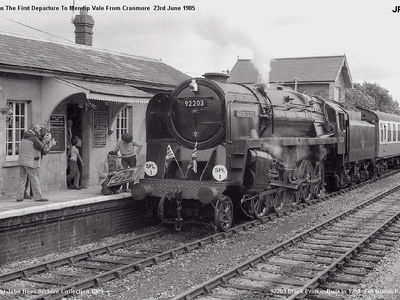 Cranmore Station 23rd June 1985. This was the the very first passenger train to dedepart for Mendip Vale with 92203 Black Prince providing the motive power for the trip