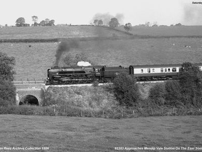 4th Oct 1986. 92203 Black Prince approaches Mendip Vale.Colin Saunders driving.