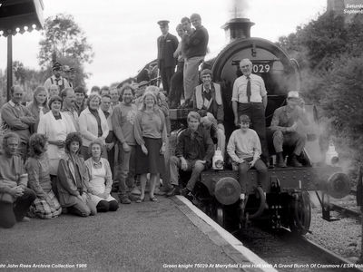 27th Sept 1986. A bunch of ESR volunteers celebrating the return of Green Knight to steam.