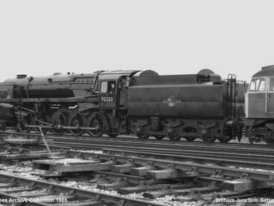 Black  Prince  92203  and  Class  47  258  At  Witham  Junction   Saturday  4 th  May  1985